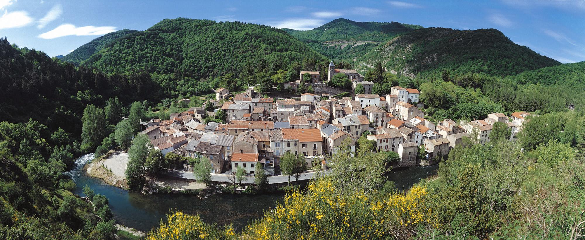 Village Avene