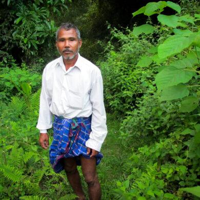 Waldmann Jadav Payeng vom Stamm der Mising, aufgenommen am 27.10.2013 im Bezirk Jorhat im Bundesstaat Assam in Indien. In den vergangenen dreiBig Jahren hat der Inder ganz alleine einen Urwald angelegt und im Nordosten des Landes eine karge Sandbank im Br